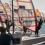 Διασυλλογικός αγώνας ιστιοσανίδας στο Ναυτικό Όμιλο Βουλιαγμένης το Δεκέμβριο